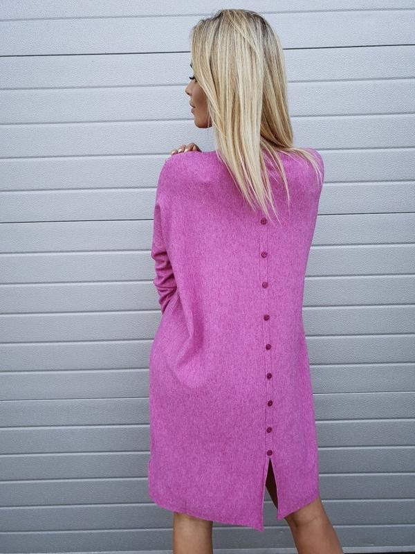 Fioletowa sukienka butiklatika.pl midi w street stylu z okrągłym dekoltem