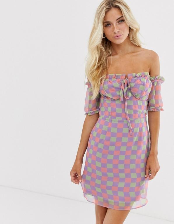 Fioletowa sukienka Glamorous