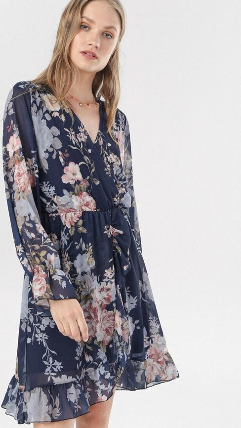 Granatowa sukienka born2be trapezowa z długim rękawem