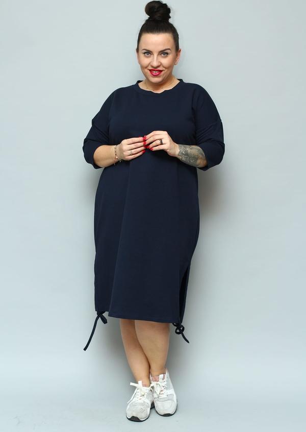Granatowa sukienka KARKO z okrągłym dekoltem ołówkowa z długim rękawem
