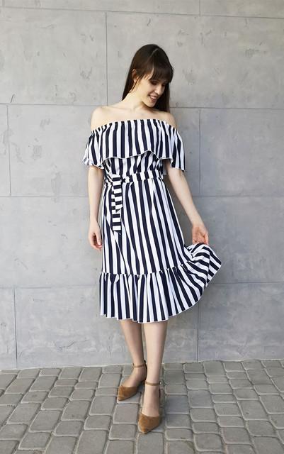 Granatowa sukienka Sklepfilloo hiszpanka midi