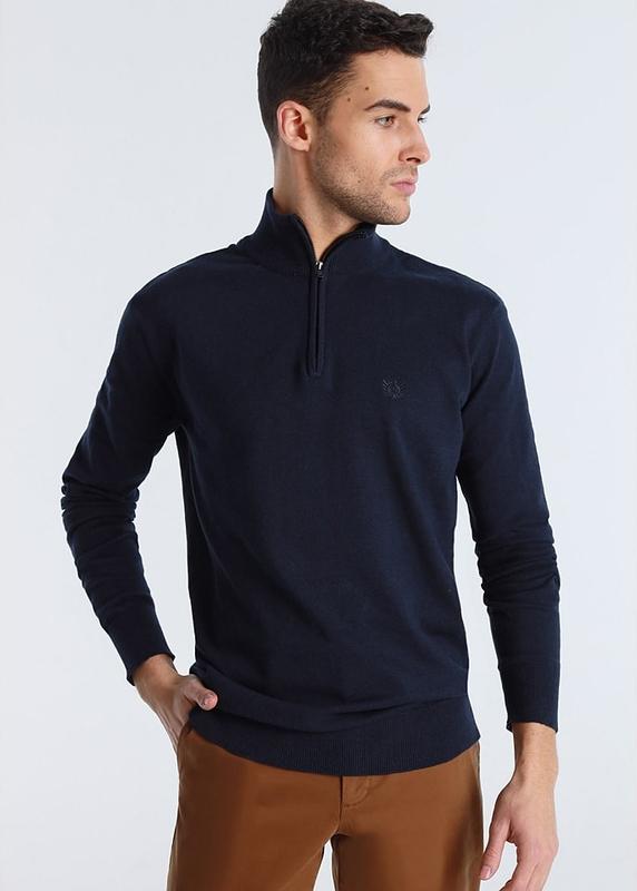 Granatowy sweter Bendorff ze stójką