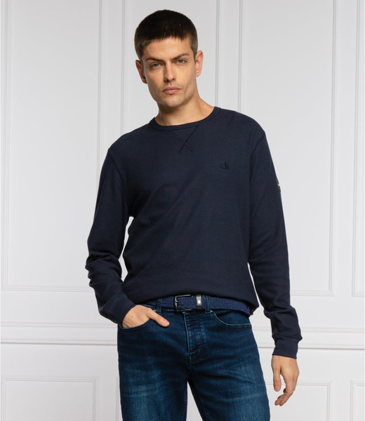 Granatowy sweter Calvin Klein z okrągłym dekoltem