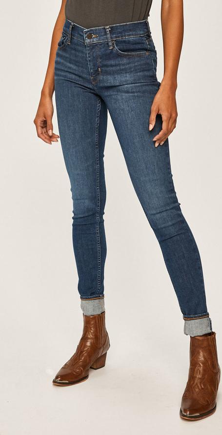 Jeansy Levis w stylu casual