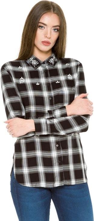 Koszula Guess w młodzieżowym stylu