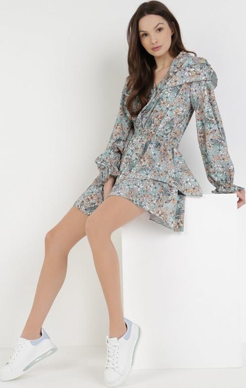 Miętowa sukienka born2be mini z długim rękawem