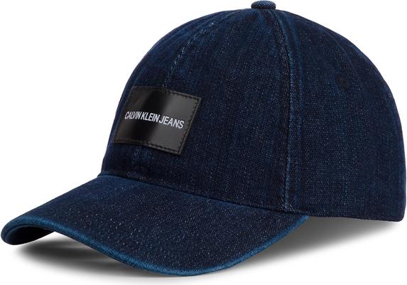 Niebieska czapka Calvin Klein z jeansu w młodzieżowym stylu