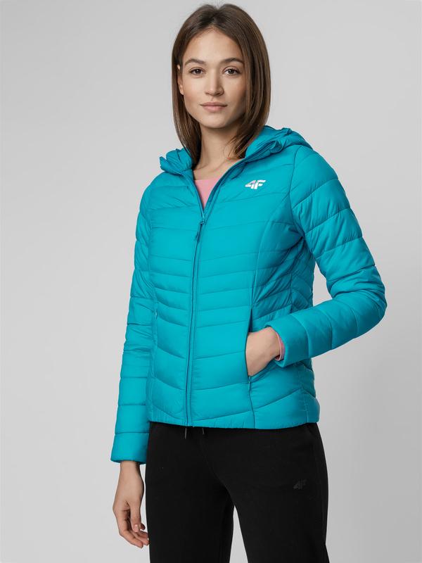 Niebieska kurtka 4F krótka w sportowym stylu