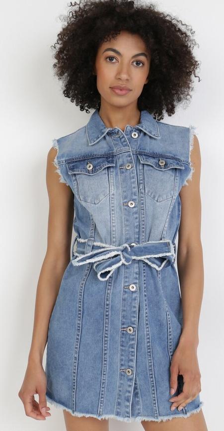 Niebieska sukienka born2be szmizjerka z krótkim rękawem w stylu casual