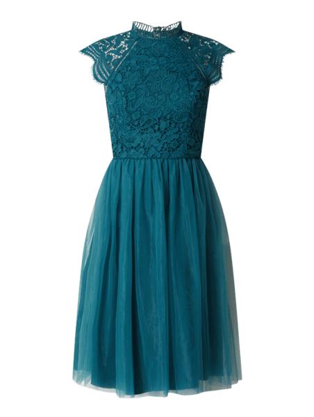 Niebieska sukienka Chi Chi London z krótkim rękawem rozkloszowana mini
