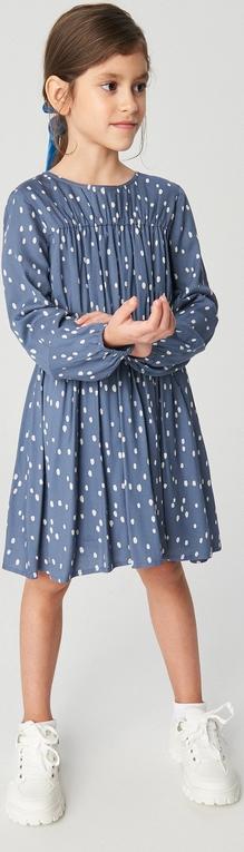 Niebieska sukienka dziewczęca Reserved w groszki