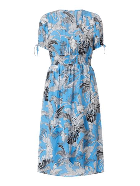 Niebieska sukienka Esprit z dekoltem w kształcie litery v w stylu casual
