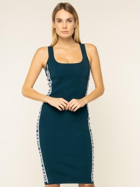 Niebieska sukienka Guess z okrągłym dekoltem w stylu casual