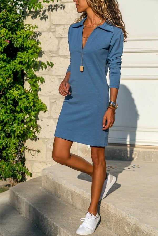 Niebieska sukienka Ivet.pl oversize z kołnierzykiem