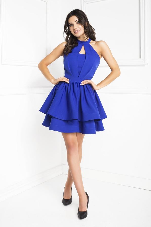 Niebieska sukienka Marcelini z dekoltem typu choker