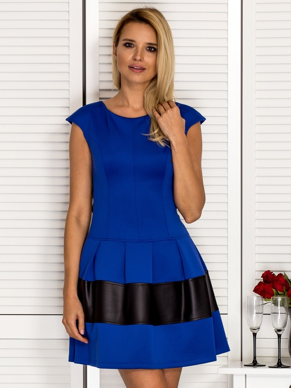 Niebieska sukienka Sheandher.pl z okrągłym dekoltem mini z krótkim rękawem