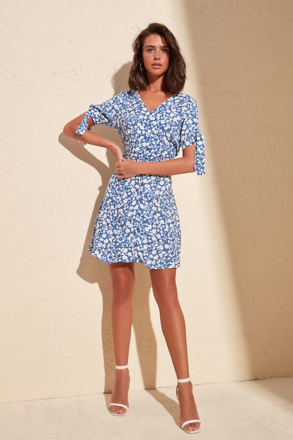 Niebieska sukienka Trendyol