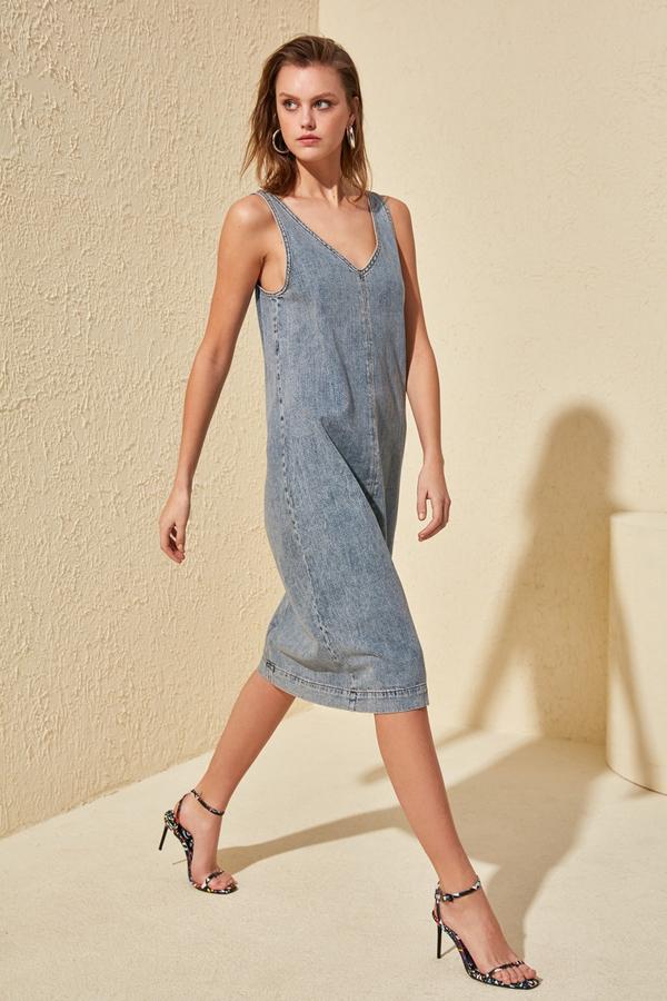 Niebieska sukienka Trendyol bez rękawów prosta