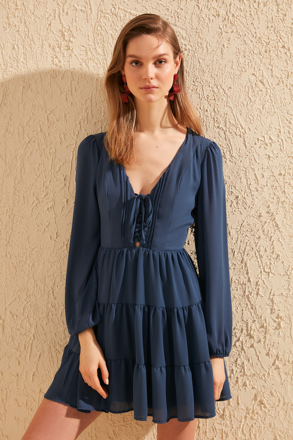 Niebieska sukienka Trendyol z długim rękawem mini