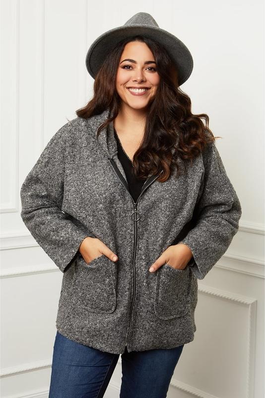 Płaszcz Curvy Lady z wełny w stylu casual