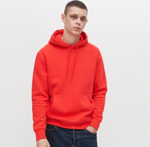 Pomarańczowa bluza Reserved w młodzieżowym stylu