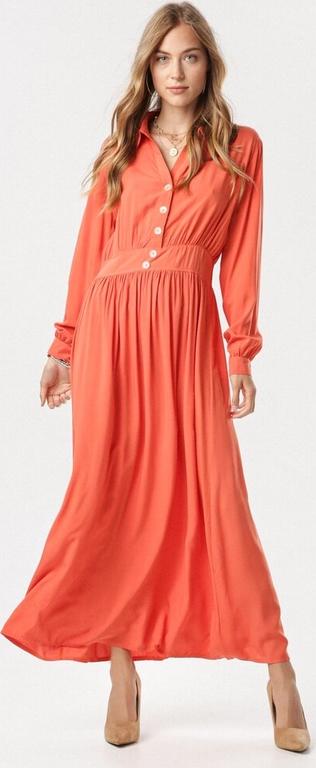 Pomarańczowa sukienka born2be z dekoltem w kształcie litery v maxi z długim rękawem