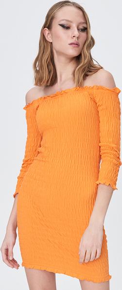 Pomarańczowa sukienka Sinsay dopasowana