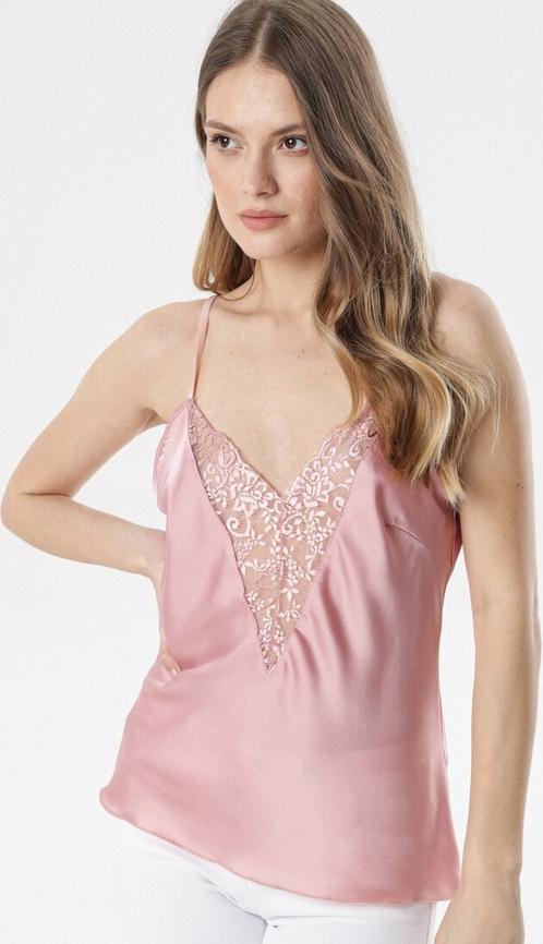 Różowa bluzka born2be w stylu casual