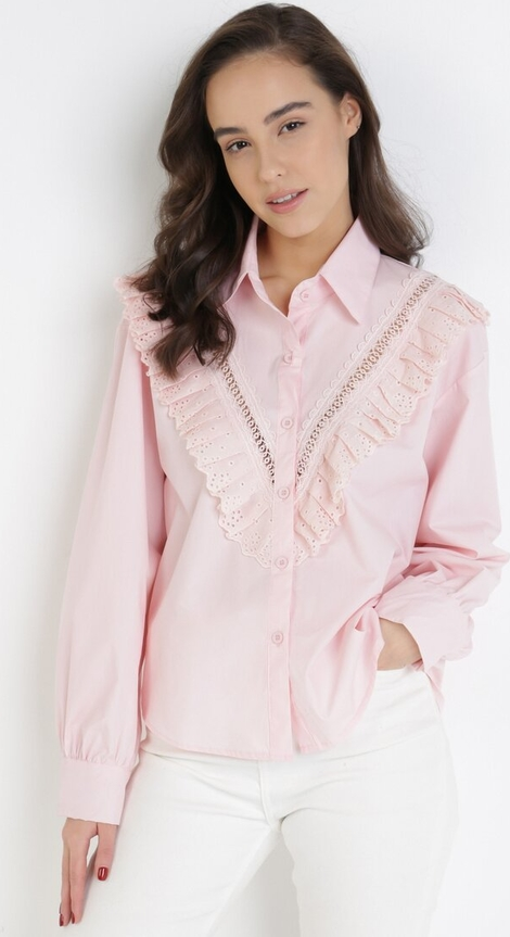 Różowa koszula born2be z kołnierzykiem
