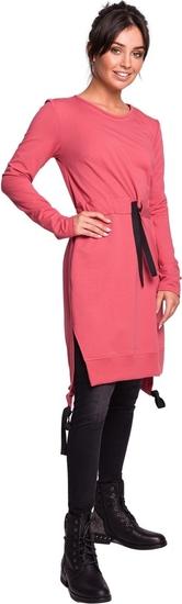 Różowa sukienka Be z długim rękawem