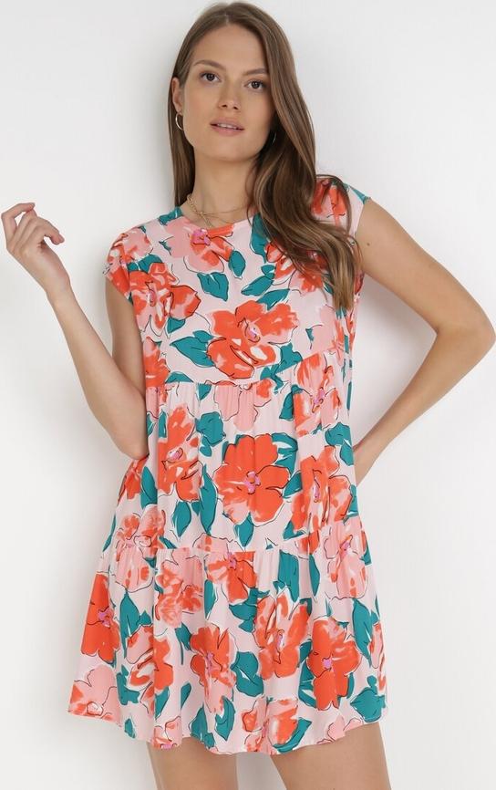 Różowa sukienka born2be mini z okrągłym dekoltem