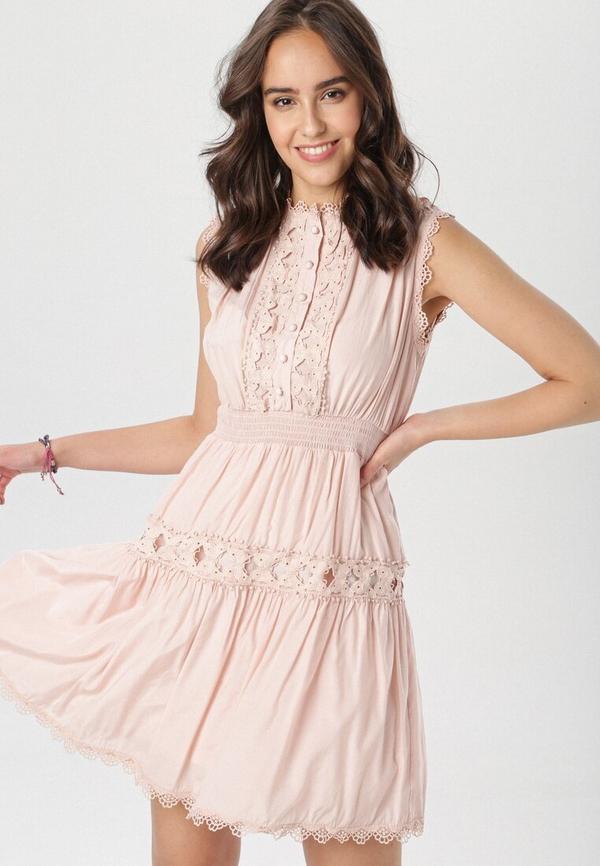 Różowa sukienka born2be rozkloszowana mini