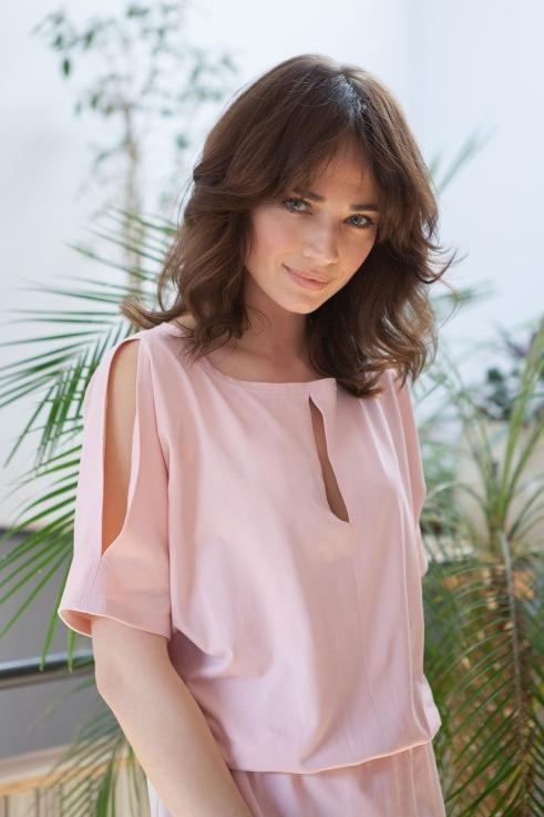 Różowa sukienka butik-choice.pl z bawełny mini z okrągłym dekoltem