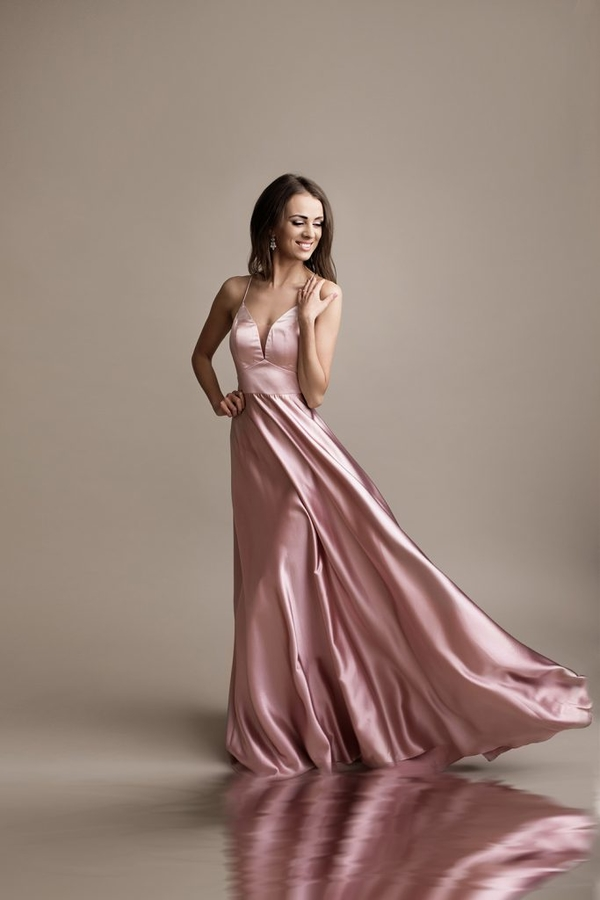 Różowa sukienka Butik Ecru