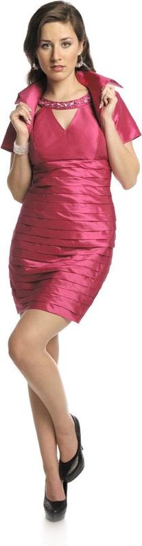 Różowa sukienka Fokus z dekoltem typu choker