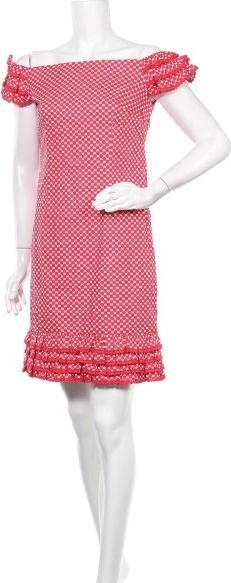 Różowa sukienka Kahyra mini z okrągłym dekoltem