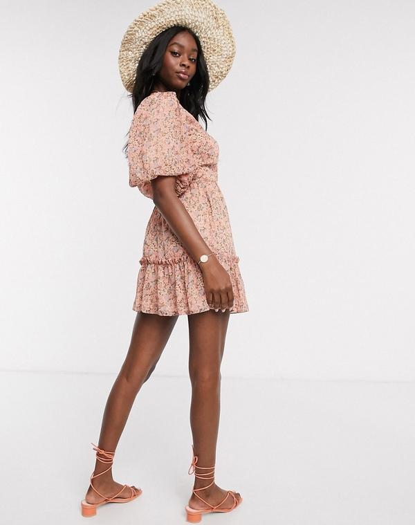Różowa sukienka Miss Selfridge z krótkim rękawem z dekoltem w kształcie litery v