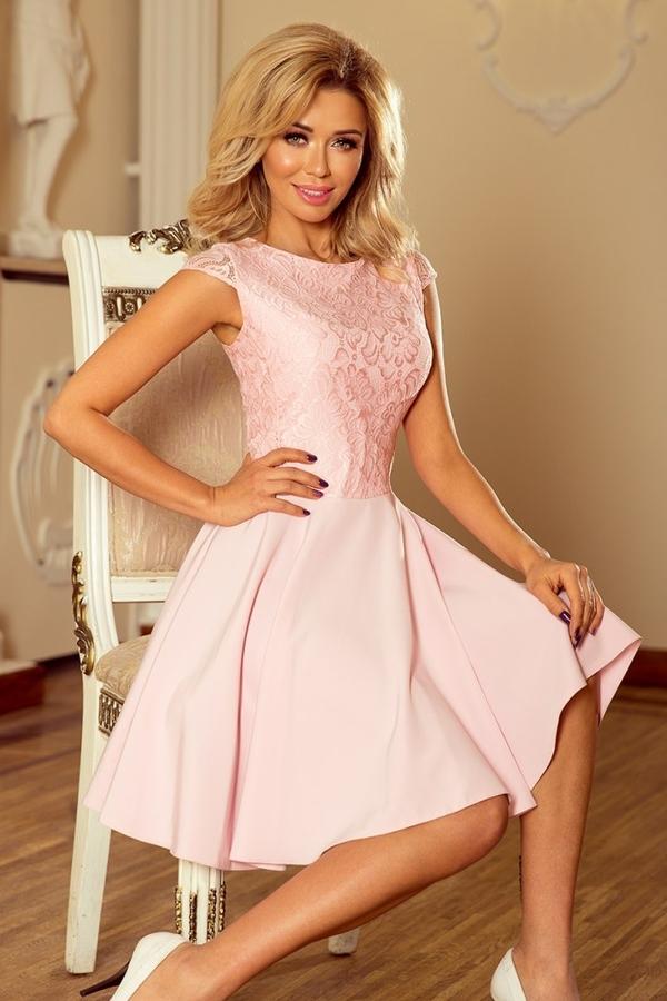 Różowa sukienka NUMOCO z krótkim rękawem z okrągłym dekoltem rozkloszowana