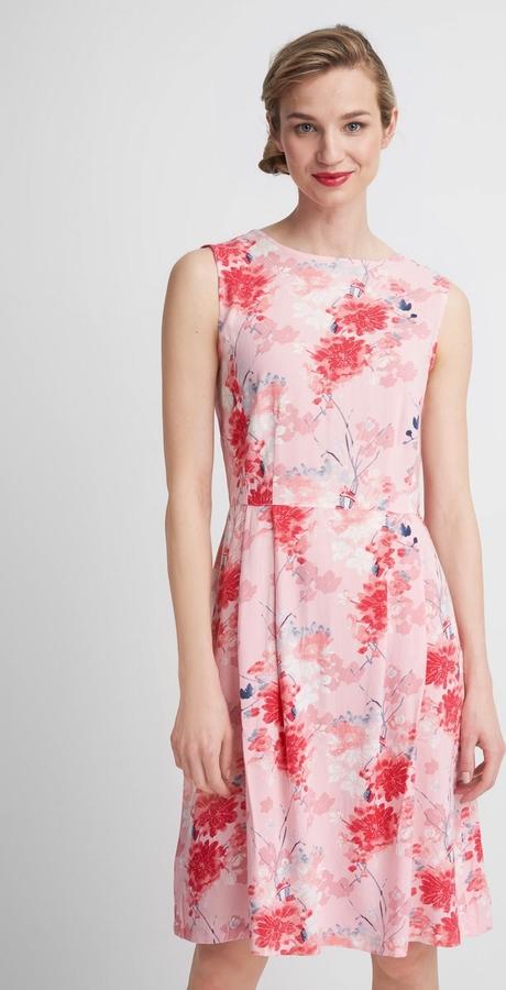 Różowa sukienka QUIOSQUE w stylu casual bez rękawów