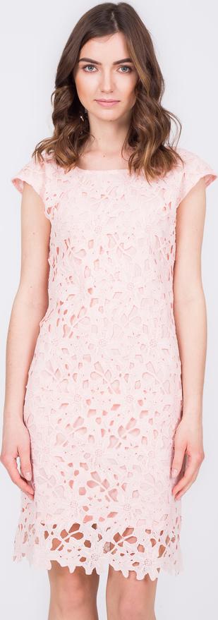 Różowa sukienka QUIOSQUE z okrągłym dekoltem z krótkim rękawem mini