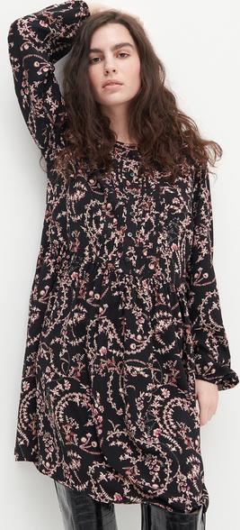 Różowa sukienka Reserved z tkaniny z długim rękawem