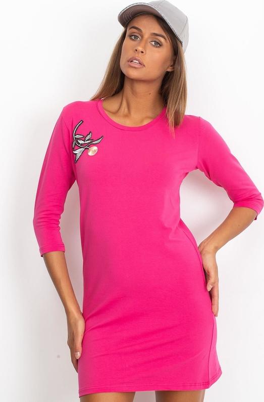 Różowa sukienka Sheandher.pl w stylu casual z długim rękawem mini