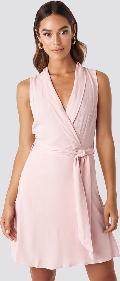 Różowa sukienka Trendyol bez rękawów z dekoltem w kształcie litery v mini