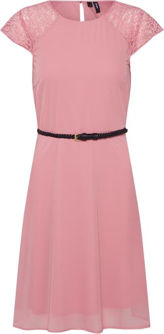 Różowa sukienka Vero Moda z krótkim rękawem z okrągłym dekoltem
