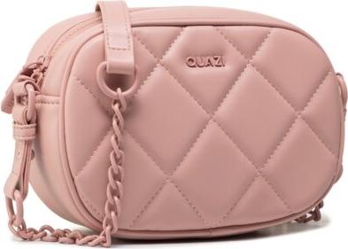 Różowa torebka Quazi na ramię średnia pikowana