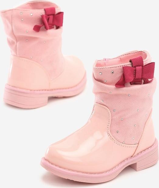 Różowe buty dziecięce zimowe born2be