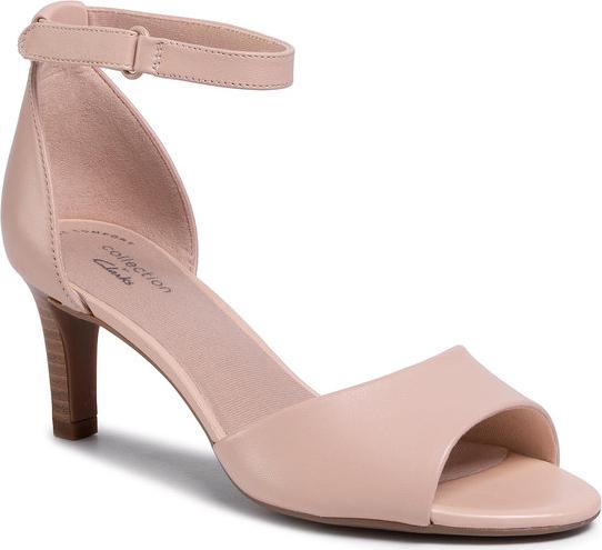 Różowe sandały Clarks z klamrami