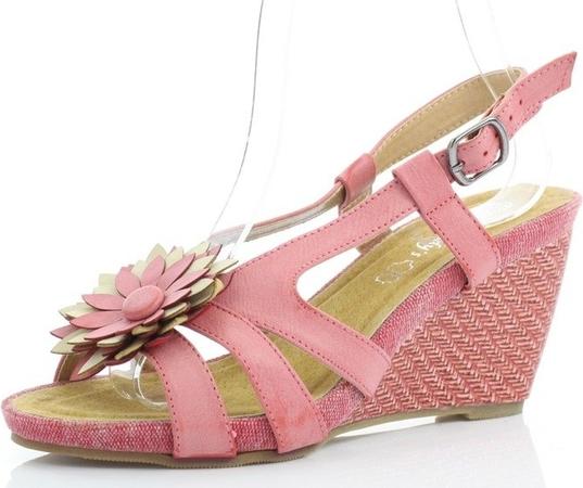 Różowe sandały Royalfashion.pl w stylu casual z klamrami
