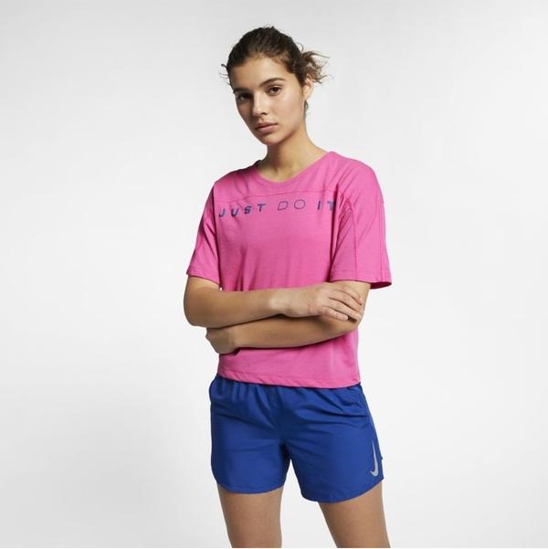 Różowy t-shirt Nike w sportowym stylu z okrągłym dekoltem