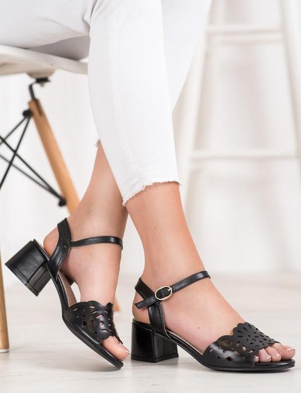Sandały Czasnabuty ze skóry na obcasie